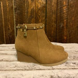 Michael Kors wedge booties ❤️